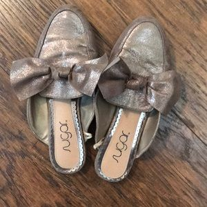 Size 6 pewter colored mules with bow detail